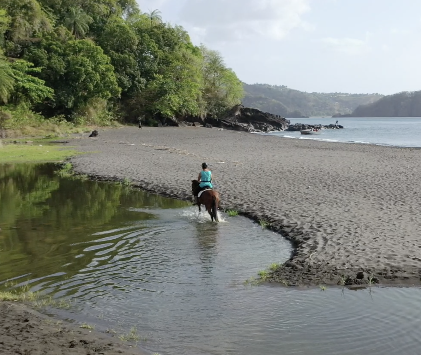 Ride and Roll – Trail Riding Caribbean